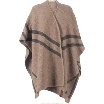 Tweedehands Moscow Poncho