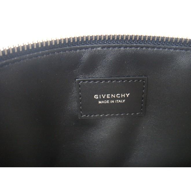 3072532ee2 ... tweedehands Givenchy Clutch ...