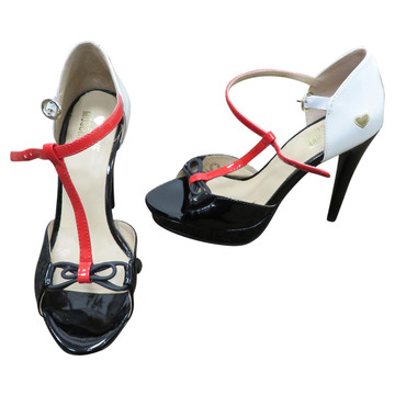 Tweedehands Moschino Sandalen