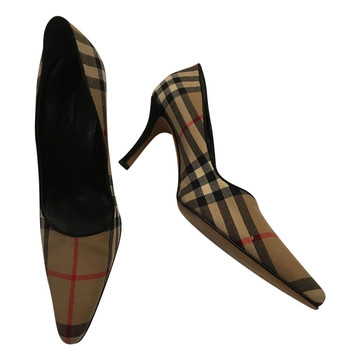 Tweedehands Burberry Pumps